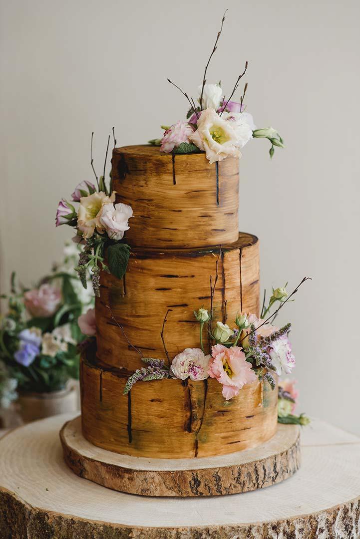 Wedding flowers on top of wedding cake