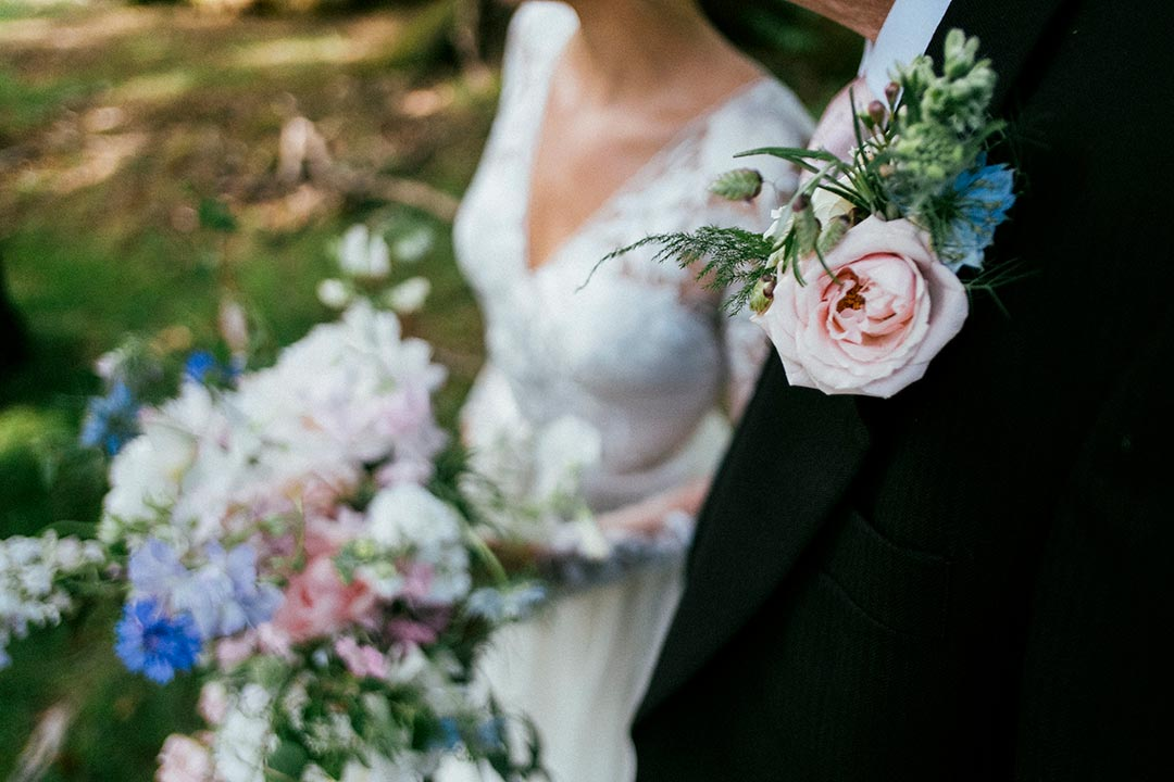 Bride bouquet and groom buttonhole