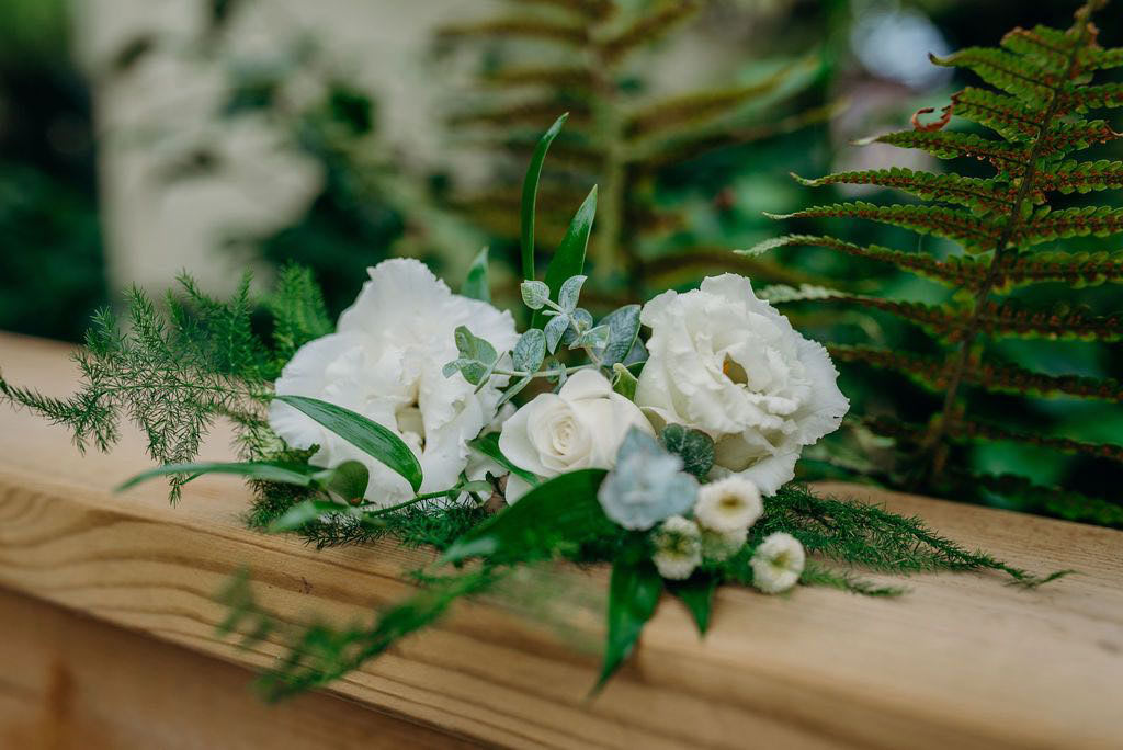 White wedding flowers for button hole