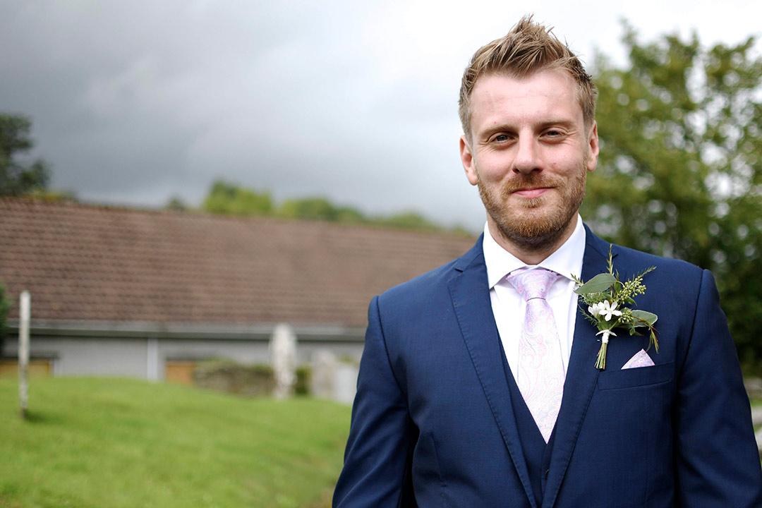Bridegroom with wedding button hole